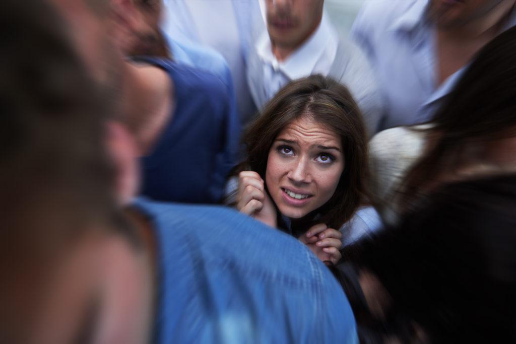 Como lidar com um ataque de pânico em público