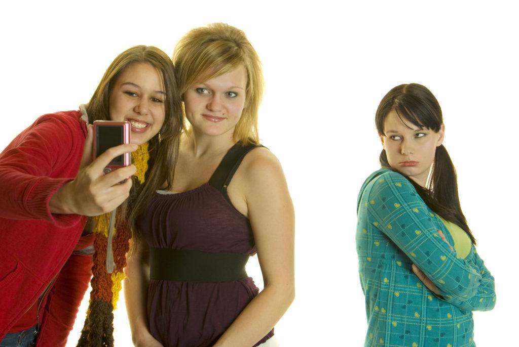 4 Dicas para controlar o seu ciúme do seu melhor amigo