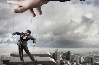 Pessoas controladoras: como lidar