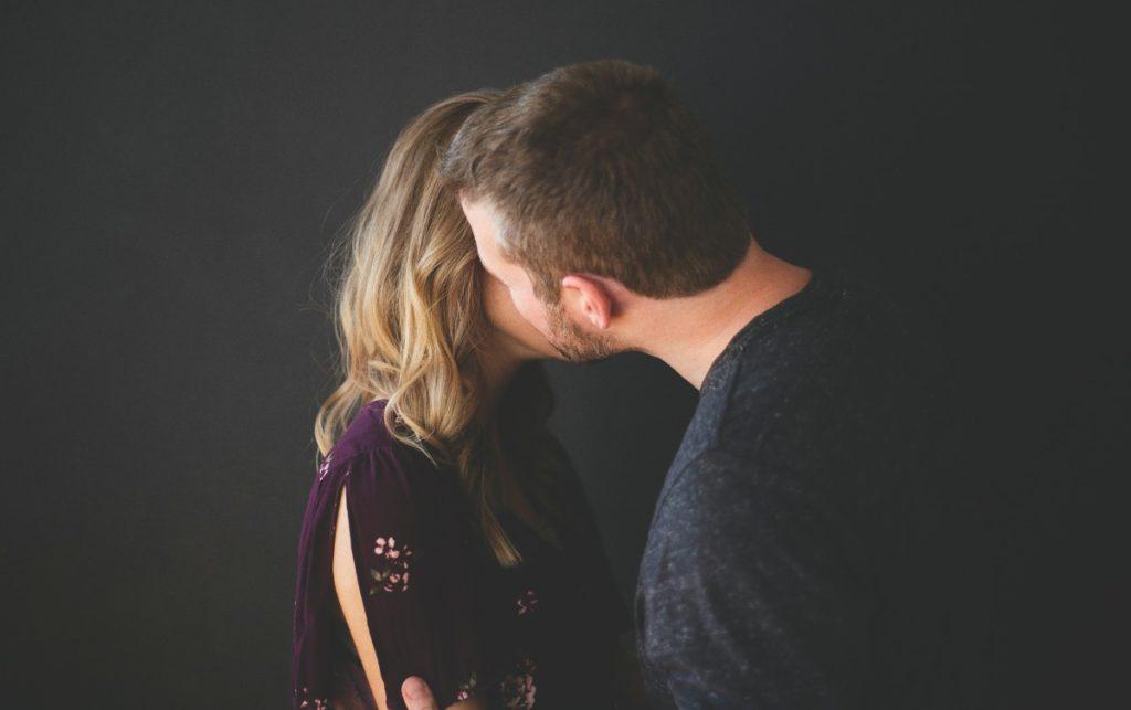 5 sinais de que você tem um marido controlador